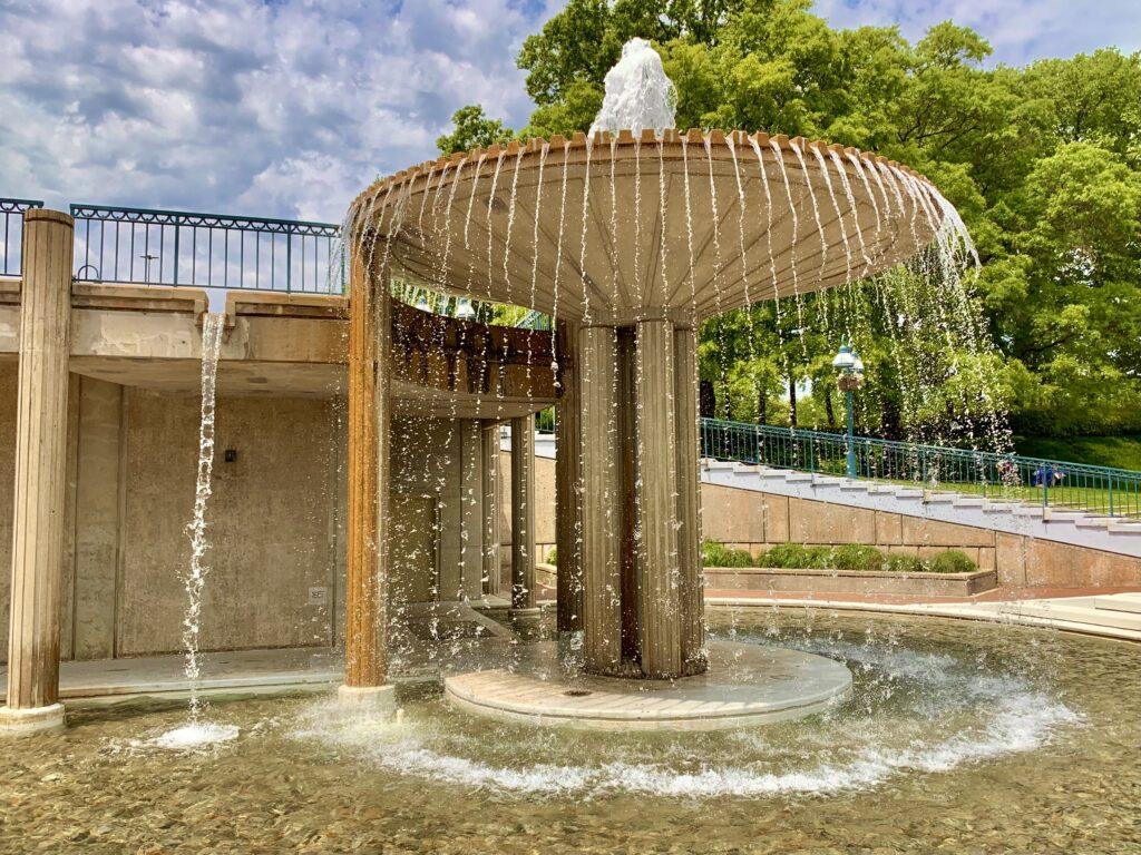 Columbia Lakefront Fountain