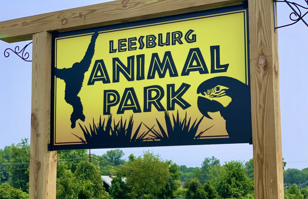 Leesburg Animal Park Sign