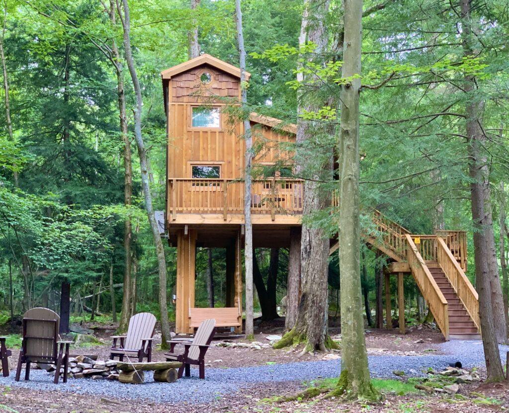 Ellas Enchanted Treehouse