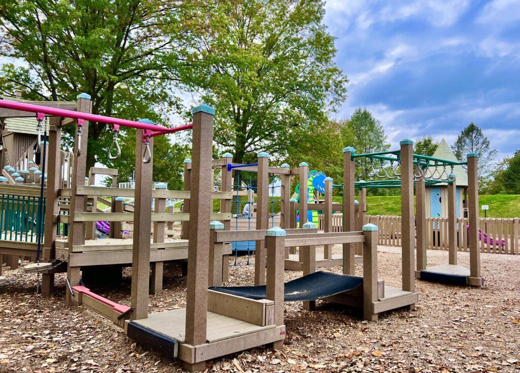 Kidsburg Monkey Bars